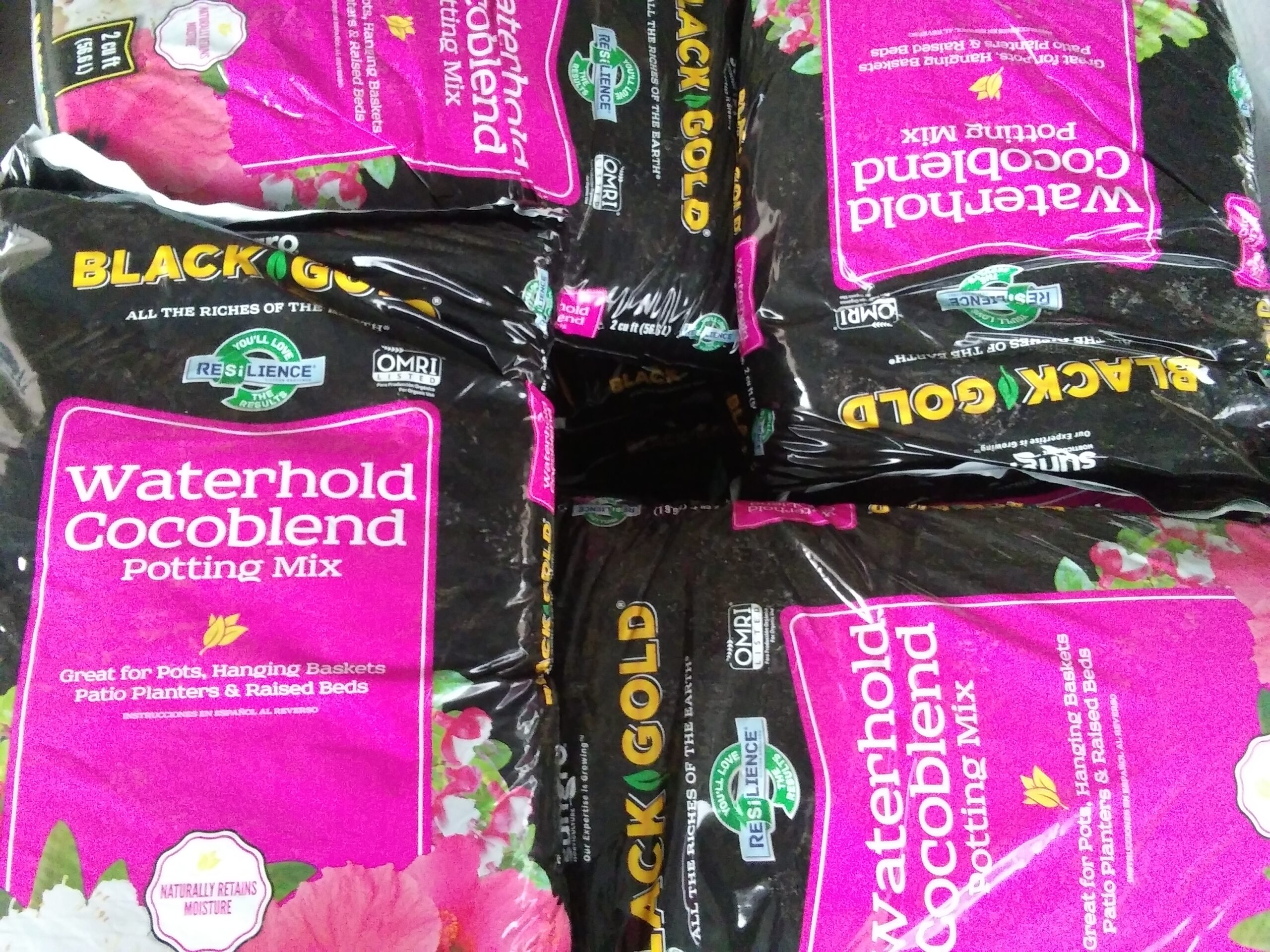 2cf Black Gold Waterhold Potting Soil Organic Concentrates Inc